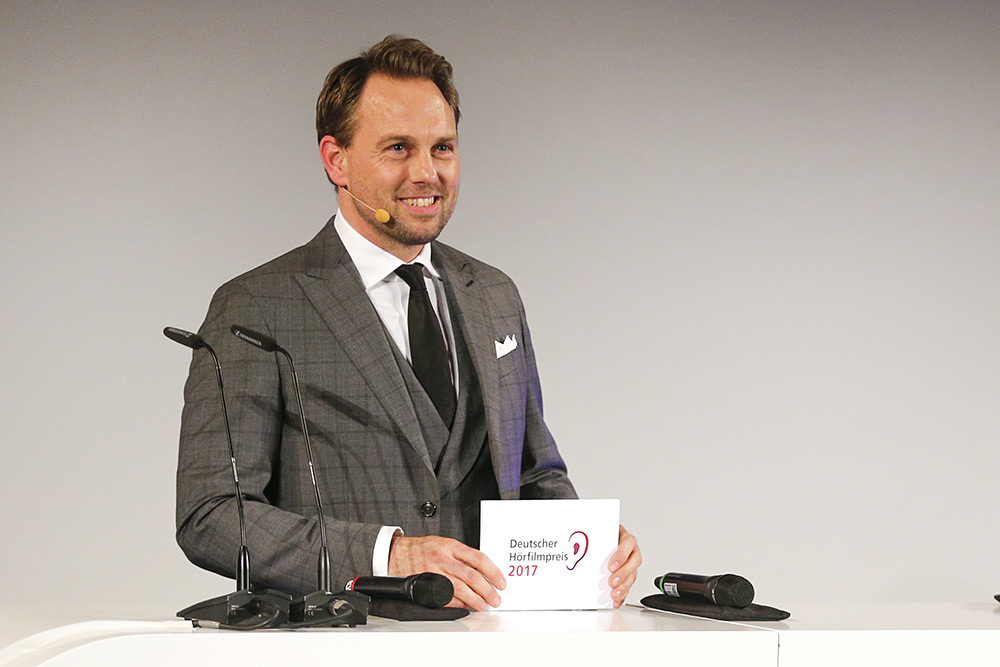 Machs Noch Einmal Steven Gätjen Moderiert Erneut Den Deutschen